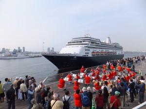 フォーレンダム初入港歓迎演奏