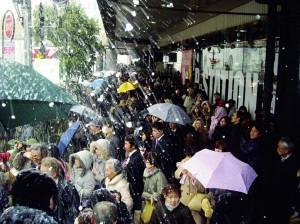 01JR仙台駅前のバス停(3月11日)