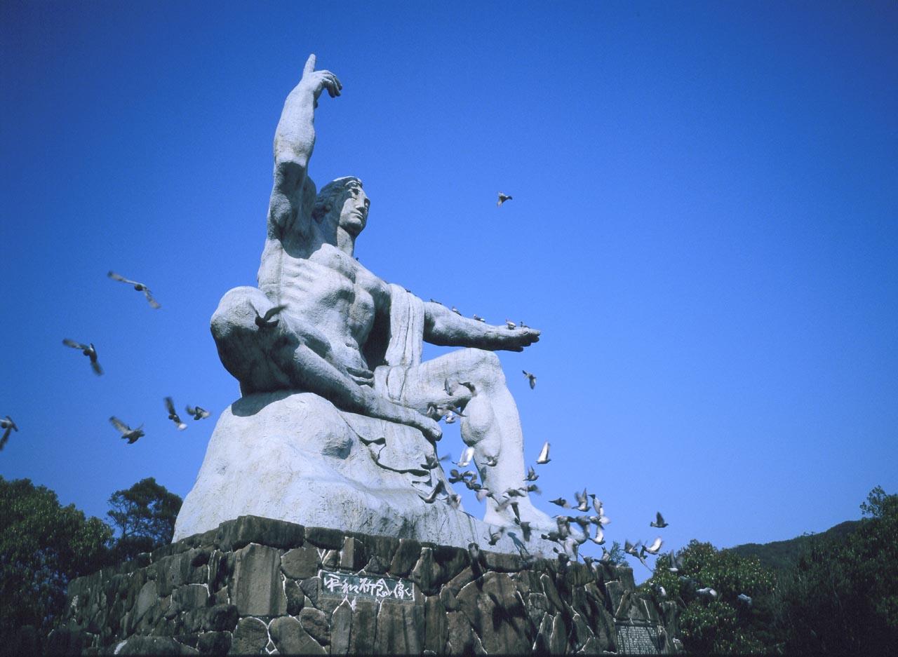 平和記念像