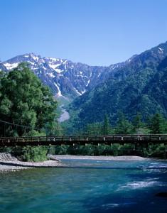 7 山の日 河童橋と穂高連峰(上高地)N