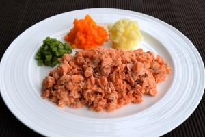 (2)ミキサー食、きざみ食、嚥下食を比較_3_きざみ食:サーモンソテー