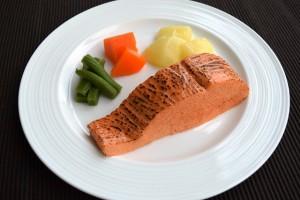 (2)ミキサー食、きざみ食、嚥下食を比較_3_嚥下食:サーモンソテー
