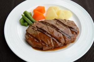 (2)ミキサー食、きざみ食、嚥下食を比較_4_嚥下食:ステーキ
