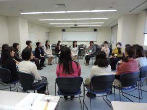 女性起業家の会合(会場はコワ-キングスペ-スではありません)